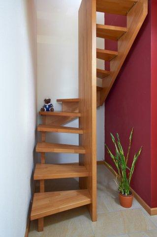 Dachbodenausbau Treppe phoca thumb l gesattelt buche jpg